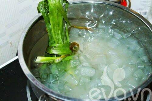 Cách nấu nước nha đam đường phèn lá dứa thơm ngon nhất